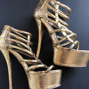Shoes - Metallic Gold Heels
